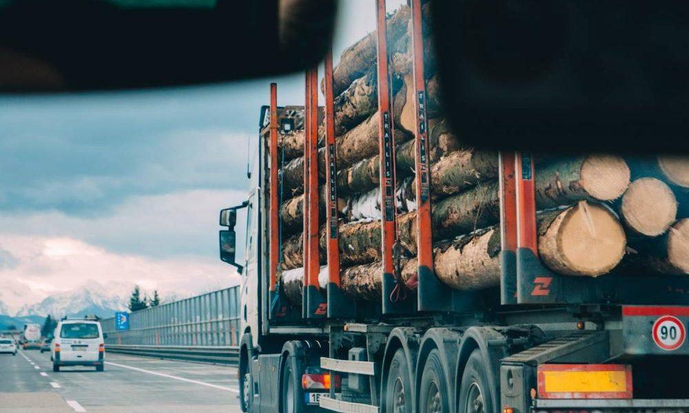 Jak wypełnić wniosek o udzielenie licencji na międzynarodowy transport drogowy?